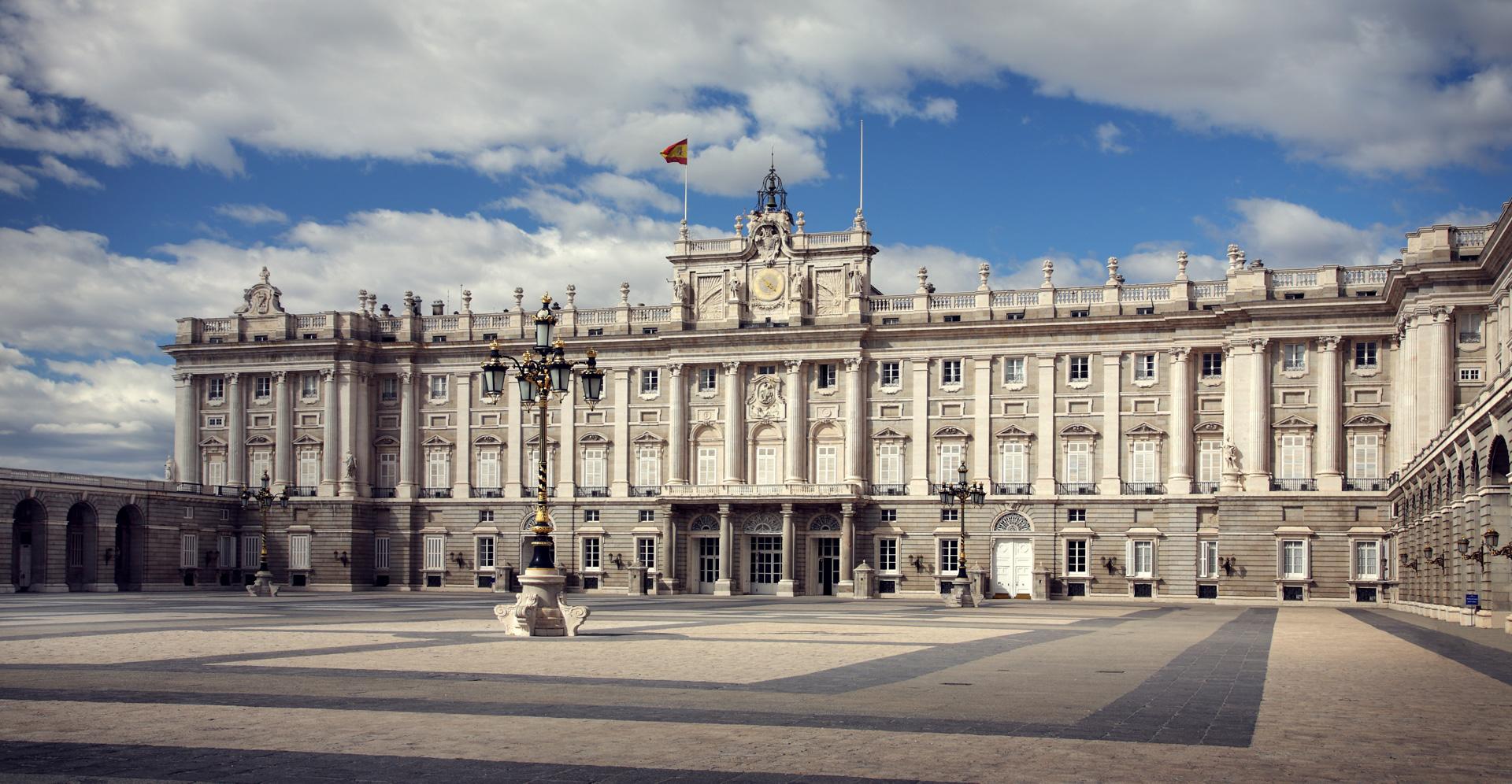 palace-real-madrid-royal-family