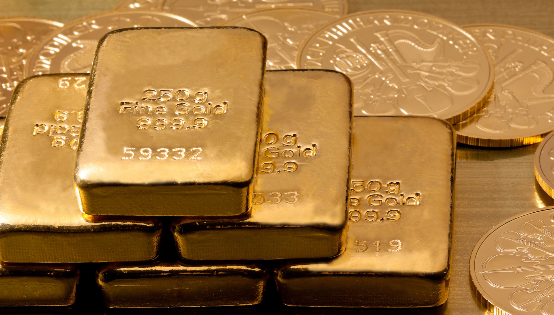 War and Peace: What to Do With Gold in Times of Geopolitical Instability